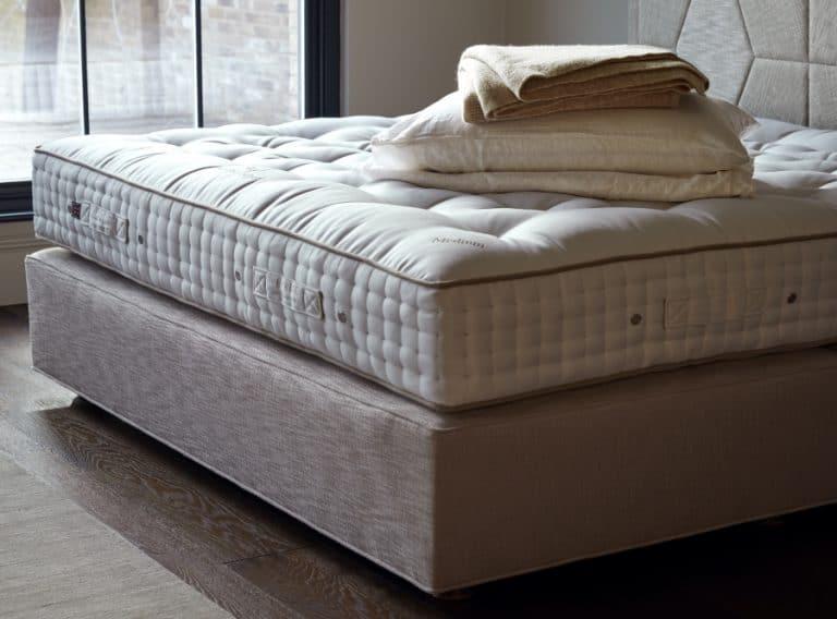DüsseDüsseldorfer Bettenhaus Unterfederung Box mit Federnldorfer Bettenhaus Untereferung Box mit Federn